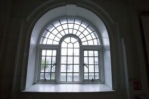 window-414541_1920